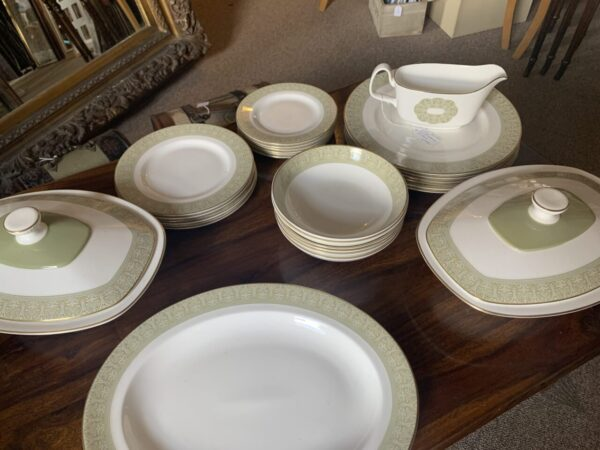 royal doulton dinner service scaled